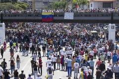 Wenezuela władzy cięcia: Protesty wybuchają w Wenezuela nad zaciemnieniem fotografia stock