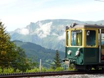 Wengen, Швейцария Железная дорога шкафа водя к Jungfraujoch стоковая фотография