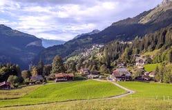 Wengen dans les Alpes suisses Photographie stock libre de droits