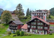 Wengen i de schweiziska fjällängarna Arkivfoto