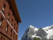 Wengen, Svizzera 08/05/2009 Hotel Jungfrau Wengernalp fotografia stock