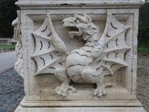 Wenig Drache am Landhaus borghese in Rom stockbilder