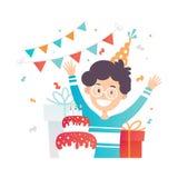 Wenig glücklicher Junge, sein Geburtstagskuchen und Geschenke Lustiges Kind mit den Händen oben Nettes Kind im Parteihut Flaches  stock abbildung