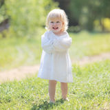 Wenig glückliches Mädchenlächeln Lizenzfreie Stockfotos