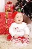 Wenig glückliches Weihnachtsmädchen Lizenzfreie Stockfotografie