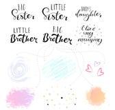 Wenig große Schwester, Bruder Beschriftung für Babykleidung lizenzfreie stockbilder
