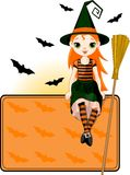 Wenig Halloween-Hexeplatzkarte Stockfotos