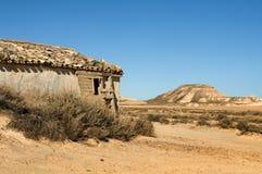 Wenig Haus auf dem Grasland Lizenzfreies Stockfoto