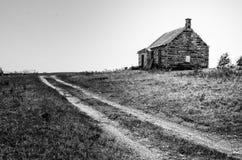 Wenig Haus auf dem Grasland Lizenzfreie Stockbilder