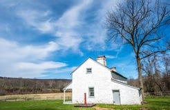 Wenig Haus auf dem Pennsylvania-Grasland lizenzfreie stockfotos