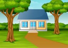 Wenig Haus im sch?nen Dorf mit gr?nem Yard stock abbildung