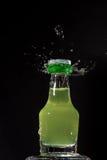 Wenig liquer Flasche lizenzfreies stockfoto