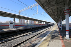 Wenig Ring der Moskau-Eisenbahnen ist 54 Augenhöhleneisenbahn 4-kilometre-long in Moskau Russland Shelepikha-Station Lizenzfreies Stockbild