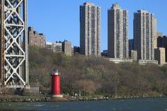 Wenig roter Leuchtturm Stockbild