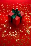 Wenig rotes Weihnachtsgeschenk Stockbilder