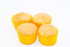 Wenig Schalenkuchen im weißen Hintergrund Lizenzfreies Stockfoto