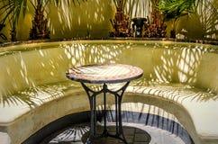 Wenig Tabelle im Sommercafé Stockfotos