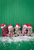 Wenig teddybears mit Sankt-Hüten Lizenzfreies Stockbild