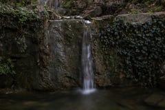 Wenig Wasserfall stockfotos