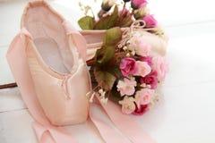 Wenige Ballettschuhe Lizenzfreie Stockfotos
