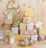 Wenige Geschenke für Weihnachten lizenzfreie stockfotografie