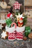 Wenige Weihnachtsstiefel stockfotos