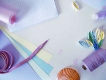 Wenken van draad van poeder, roze, purpere en lilac kleur, gekleurde document pastelkleurtonen voor handwork Stock Afbeeldingen