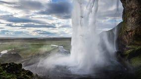 Wenn Sie ` VE nie hinter einen Wasserfall gingen, hier ` s ein guter Ort stockfoto