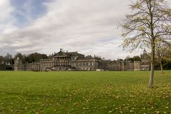 Wentworth Woodhouse Mansion With Deer Image stock