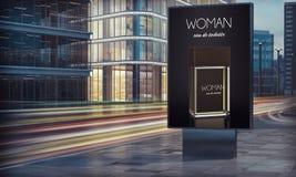Werbungsparfümanschlagtafel in der Stadtnacht stockfoto