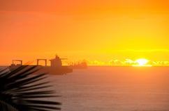 Werbungsschiffe bei Sonnenaufgang Lizenzfreies Stockbild