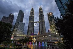 The Petronas Towers, also known as the Petronas Twin Towers are twin skyscrapers. South east Asia, Malajsia stock photography