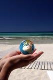 Wereld in haar handen Royalty-vrije Stock Afbeelding