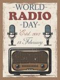 Wereld radiodag gekleurde uitstekende affiche met retro radio en mocrophone Stock Foto's