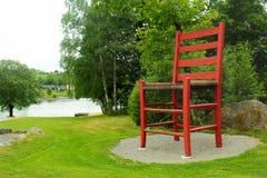 Wereld` s grootste traditionele stoel in Hjelmeland, Noorwegen stock foto's