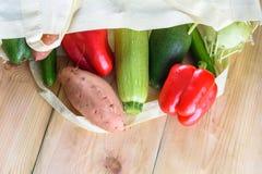 Wereld vrij van plastiek Organische producten stock foto's