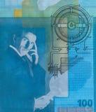 Wereldberoemde het portret dichte omhooggaand van uitvindersnikola tesla op Servisch bankbiljet stock fotografie