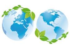 Wereldbollen met groene bladeren Royalty-vrije Stock Afbeelding