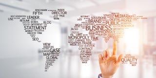 Wereldkaart in bureaubinnenland als symbool voor internationale zaken en globalisering royalty-vrije stock foto's
