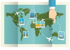 Wereldkaart met Vliegende Vliegtuigen en Beroemde Toerismeplaatsen Vector illustratie Royalty-vrije Stock Fotografie