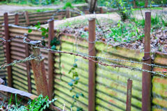 Wereldoorlog één geulen op heuvel op de gebieden België van Vlaanderen stock afbeeldingen