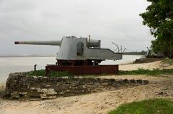Wereldoorlog Twee Kanonnen op Kiribati royalty-vrije stock foto's