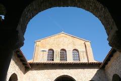 Werf 2 van de kerk royalty-vrije stock afbeelding