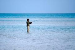Werfen für Bonefish im Aitutaki-Lagunen-Koch Islands Stockbild