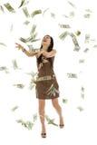 Werfendes Geld der hübschen Frau Stockfotos