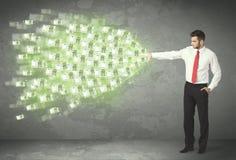 Werfendes Geldkonzept der jungen Geschäftsperson Stockbild