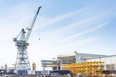 Werft von Fincantieri, arbeitend, um ein neues Schiff zu errichten Lizenzfreies Stockfoto