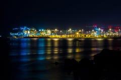 Werfte bis zum Nacht in Genua, Italien Lizenzfreie Stockfotos