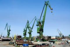 Werftkr?ne in der Werft Gdansk, Polen stockfotos