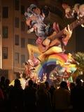 Werk Beeltenissen als dit uit worden gebrand tijdens de jaarlijkse Viering van Las Fallas, Valencia, Spanje stock foto's